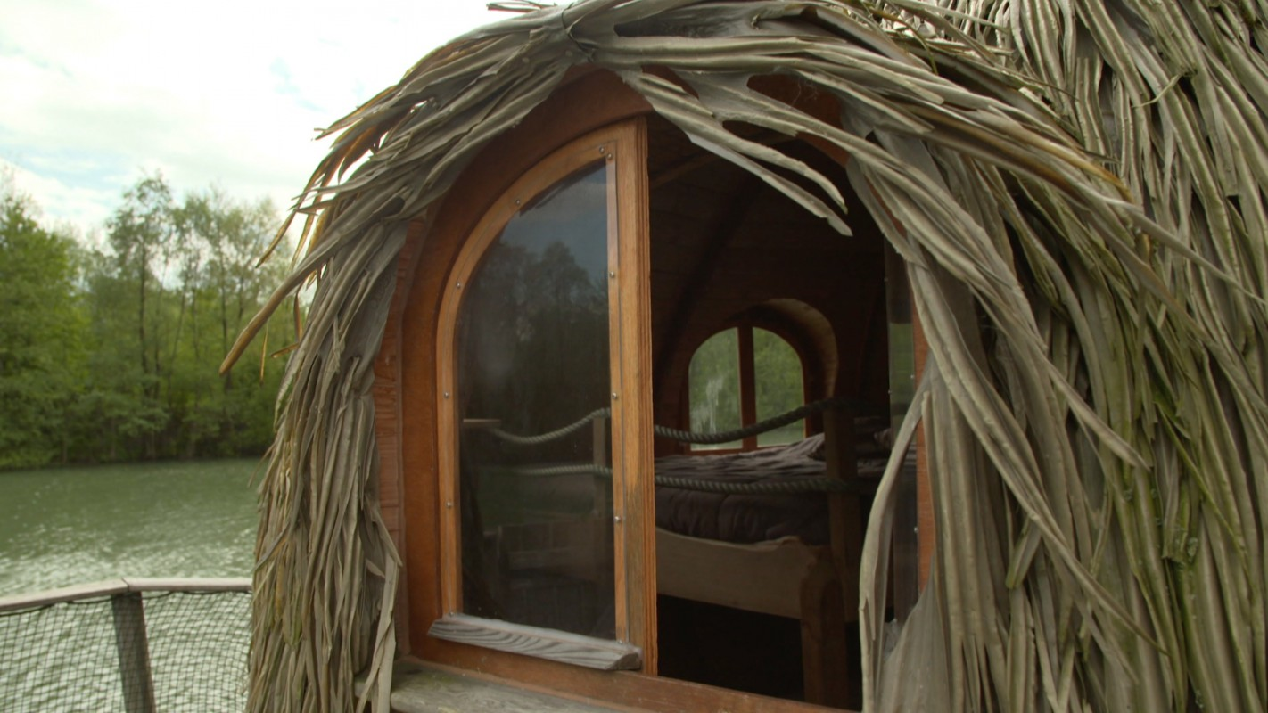 les cabanes des grands lacs franche comt echo logis. Black Bedroom Furniture Sets. Home Design Ideas